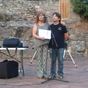 Carme Tura, de Sant Feliu de Codines i amiga de l'Albert Morral, presentant al conferenciant